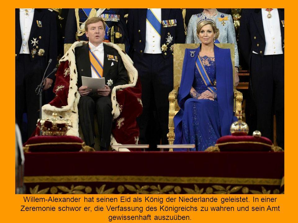 Zur feierlichen Amtseinführung des neuen niederländischen Königs Willem-Alexander haben sich die Gäste in der Nieuwe Kerk versammelt.