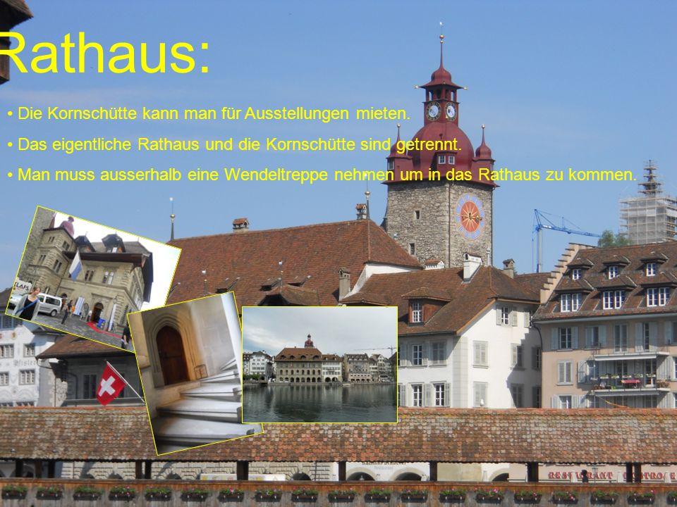 Rathaus: Die Kornschütte kann man für Ausstellungen mieten. Das eigentliche Rathaus und die Kornschütte sind getrennt. Man muss ausserhalb eine Wendel