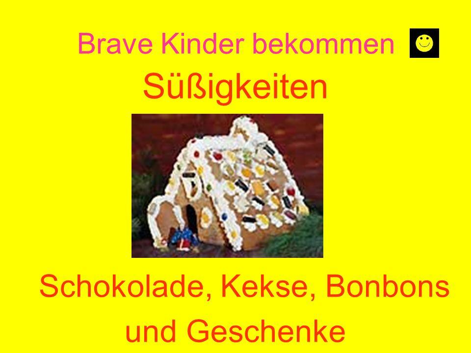 Brave Kinder bekommen Süßigkeiten Schokolade, Kekse, Bonbons und Geschenke