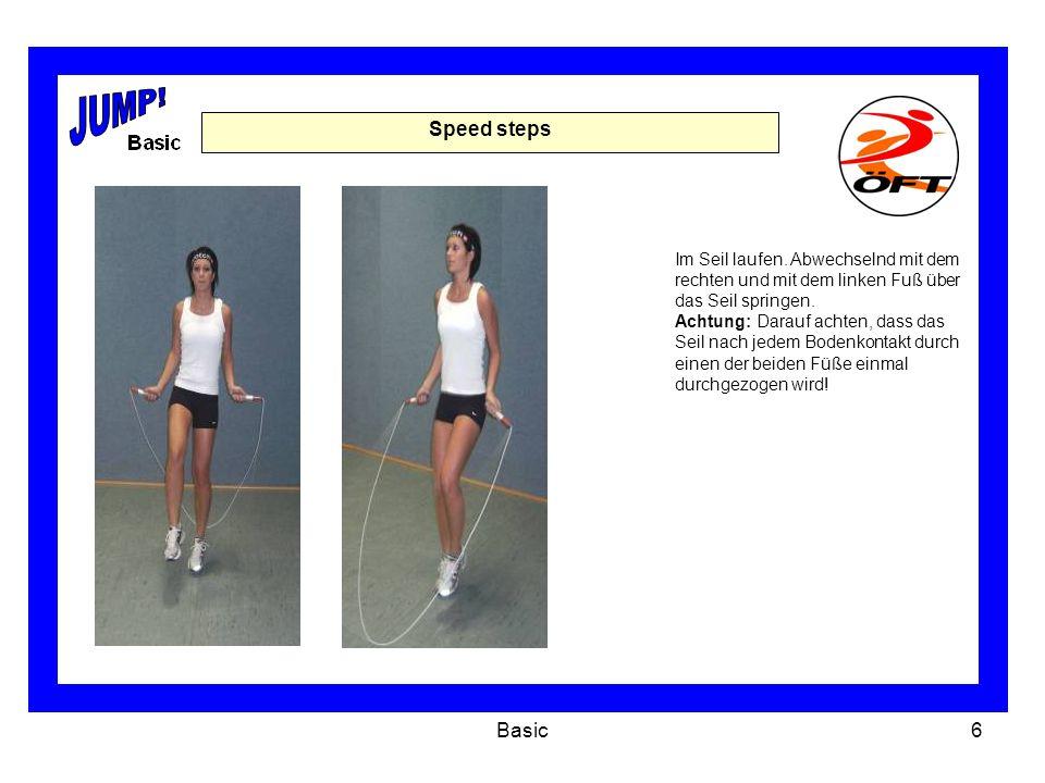 Basic7 Jump 4 2 2 Personen stehen nebeneinander und halten gemeinsam ein Seil (vorzugsweise ein Beaded-Rope) in den Händen.
