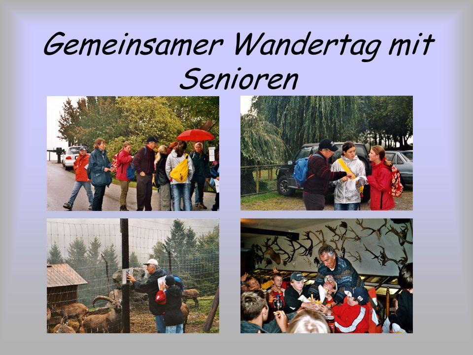 Gemeinsamer Wandertag mit Senioren