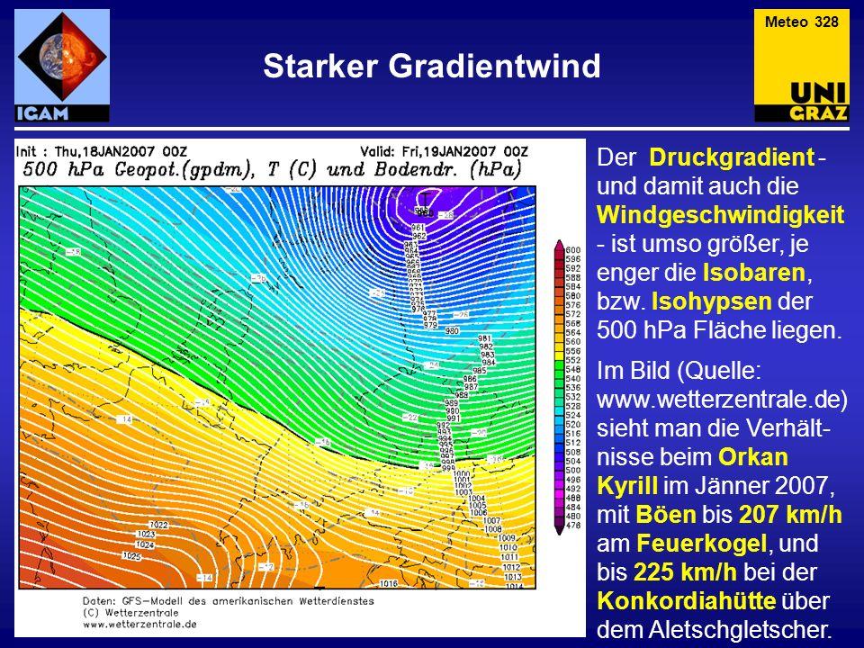 Der Druckgradient - und damit auch die Windgeschwindigkeit - ist umso größer, je enger die Isobaren, bzw. Isohypsen der 500 hPa Fläche liegen. Im Bild