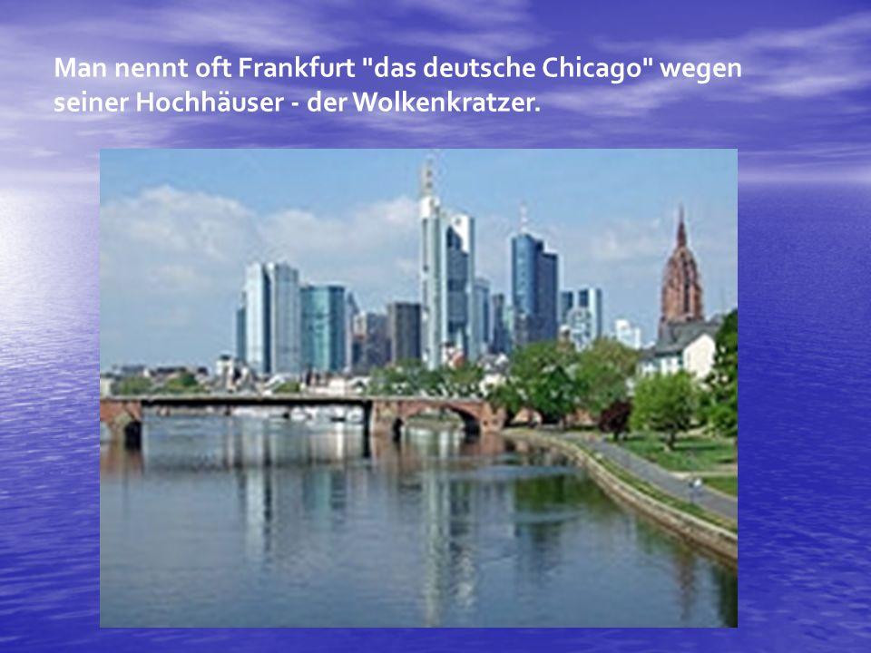 Römerberg Römerberg Hier kommen Menschen aus Frankfurt und aus aller Welt zusammen: Der Römerberg ist seit über tausend Jahren Mittelpunkt der Stadt.