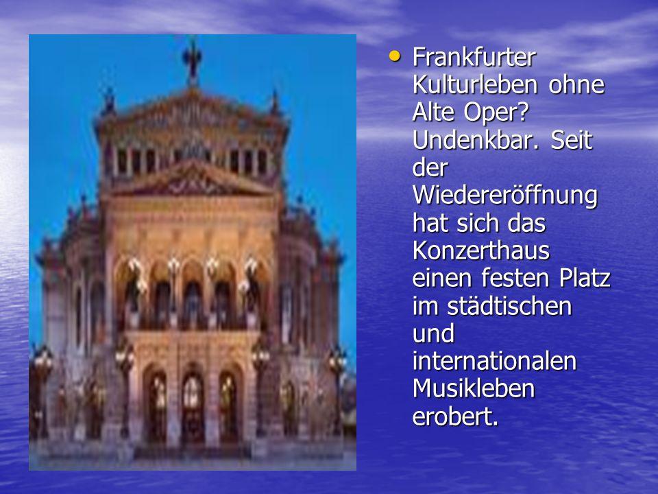 Im Goethehaus kann man viel Interessantes über den grossen Dichter Johann Wolfgang von Goethe erfahren, seine Manuskripte, Bilder, die Sammlung der Mineralien sehen.