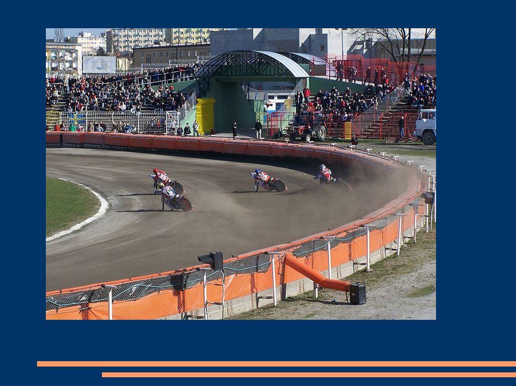 Es gibt mehrere Arten von Disziplin, die zusammen als Speedway definiert.