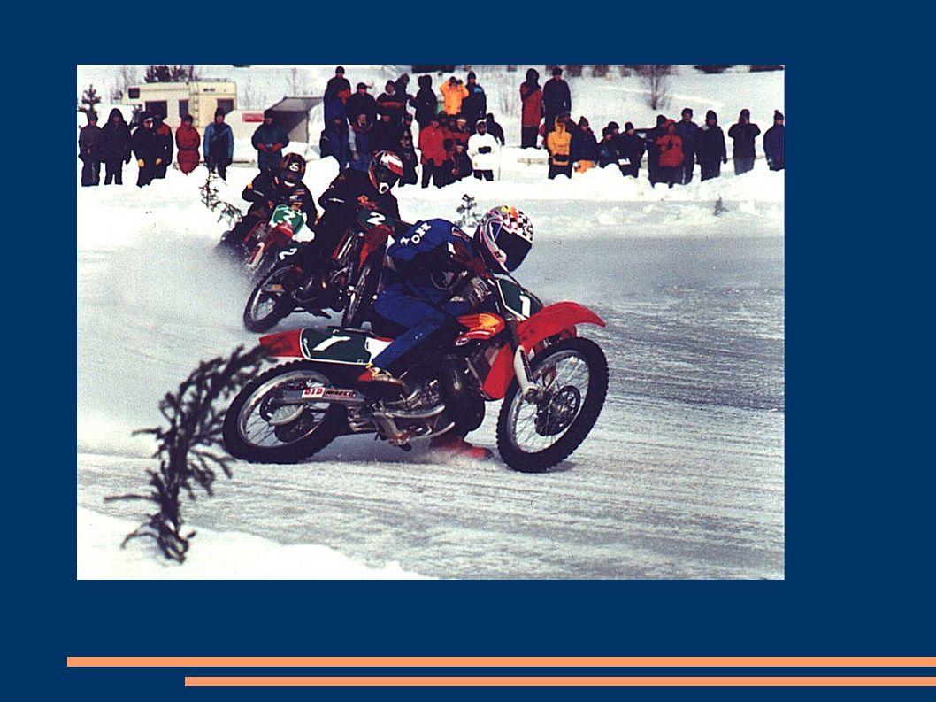 Als Teil der ehemaligen UdSSR populäre Speedway auf dem Eis, die aus den Sorten auf Schienen mit Gras oder losem Untergrund Kurventechnik und Design von Motorrädern unterscheidet.