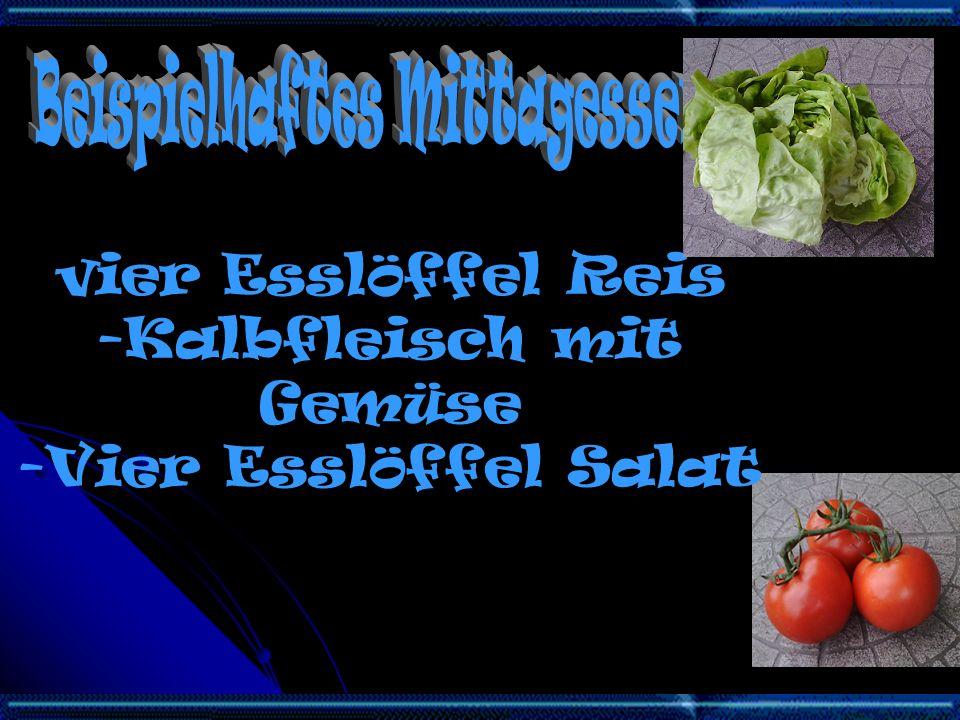 vier Esslöffel Reis -Kalbfleisch mit Gemüse -Vier Esslöffel Salat