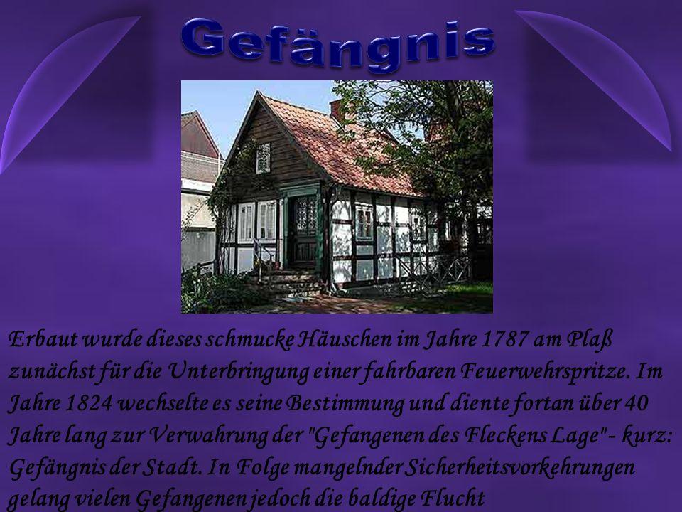 Erbaut wurde dieses schmucke Häuschen im Jahre 1787 am Plaß zunächst für die Unterbringung einer fahrbaren Feuerwehrspritze.