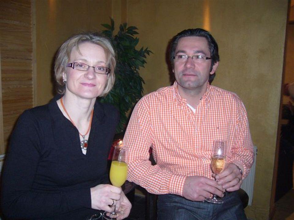 Das Traum-Duo hinter der Theke. Die Getränke waren kalt und lecker und die Bedienung recht flott.
