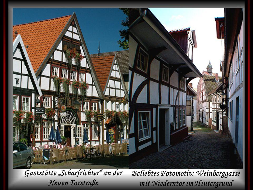 Gaststätte Scharfrichter an der Neuen Torstraße Beliebtes Fotomotiv: Weinberggasse mit Niederntor im Hintergrund