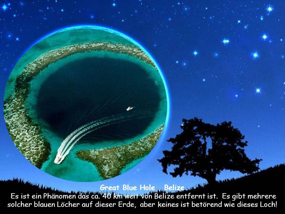 Great Blue Hole, Belize Es ist ein Phänomen das ca.