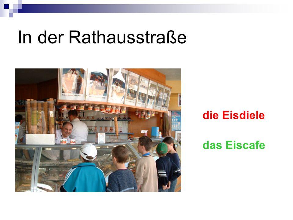 In der Rathausstraße die Eisdiele das Eiscafe