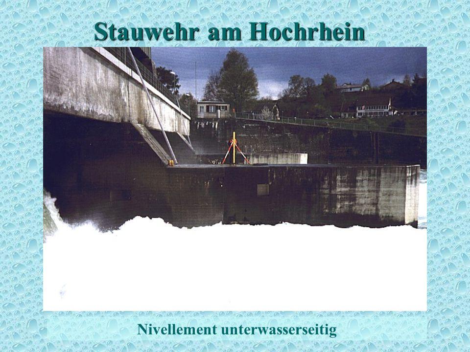 Stauwehr am Hochrhein Höhenbestimmung 2 Nivellement unterwasserseitig