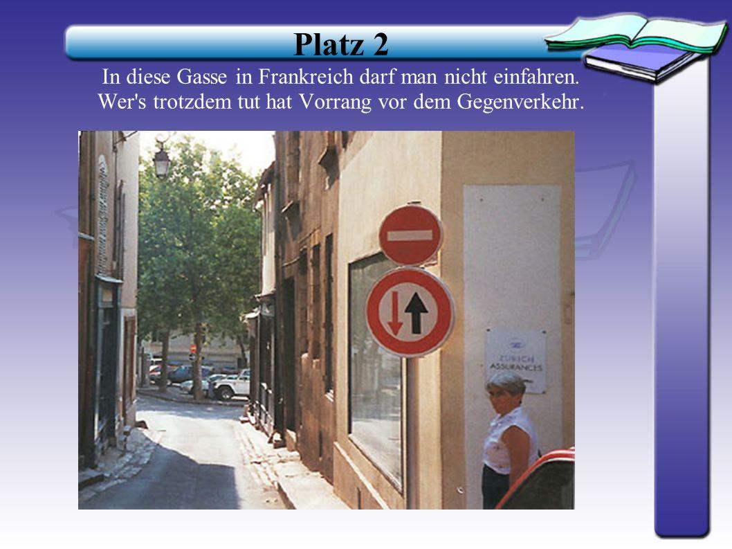 Platz 3 In Österreich ist man sich nicht ganz einig: Muss man hier nun links abbiegen oder darf man nicht?