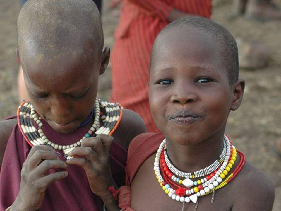 Die Massai oder Maasai, Maassai, Masai sind eine Volksgruppe, die in den weiten Ebenen im Süden Kenias sowie im Norden Tansanias beheimatet ist. Sie s
