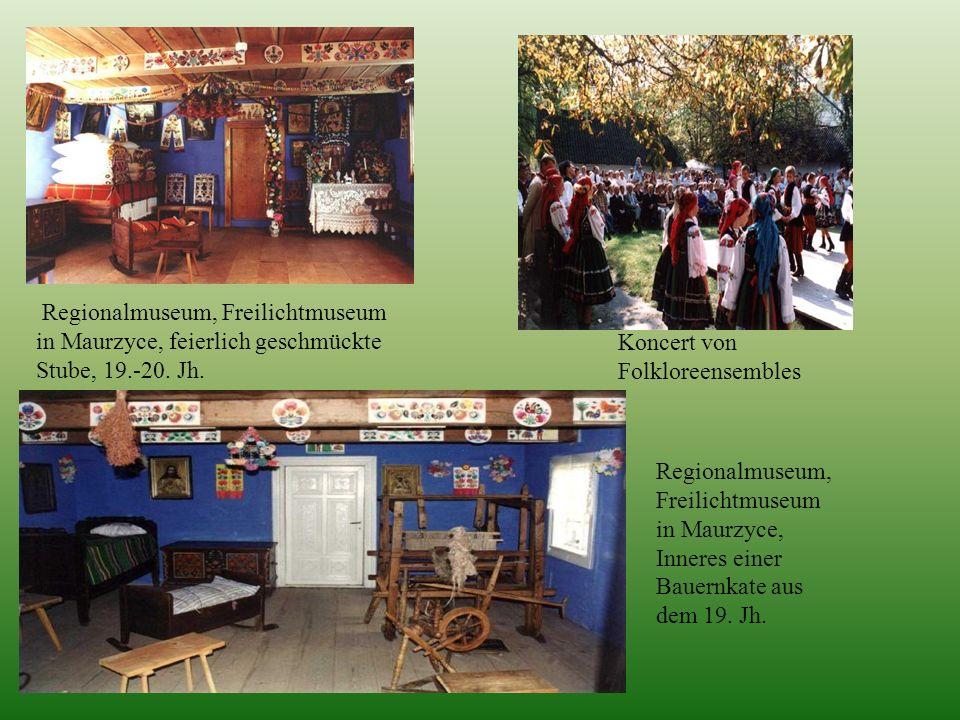 Regionalmuseum, Freilichtmuseum in Maurzyce, feierlich geschmückte Stube, 19.-20. Jh. Regionalmuseum, Freilichtmuseum in Maurzyce, Inneres einer Bauer