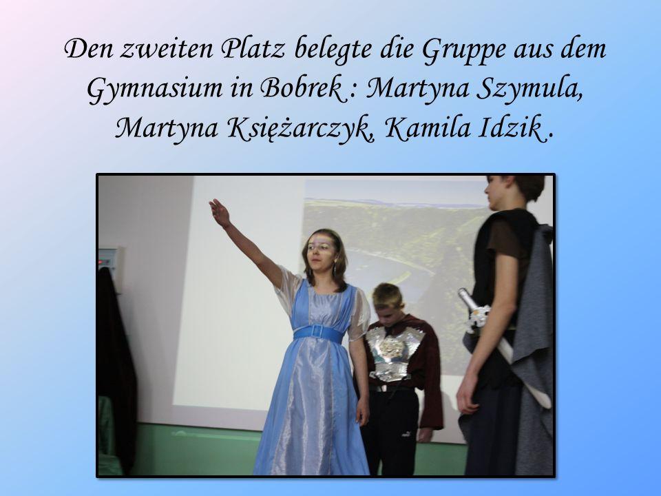 Den zweiten Platz belegte die Gruppe aus dem Gymnasium in Bobrek : Martyna Szymula, Martyna Księżarczyk, Kamila Idzik.