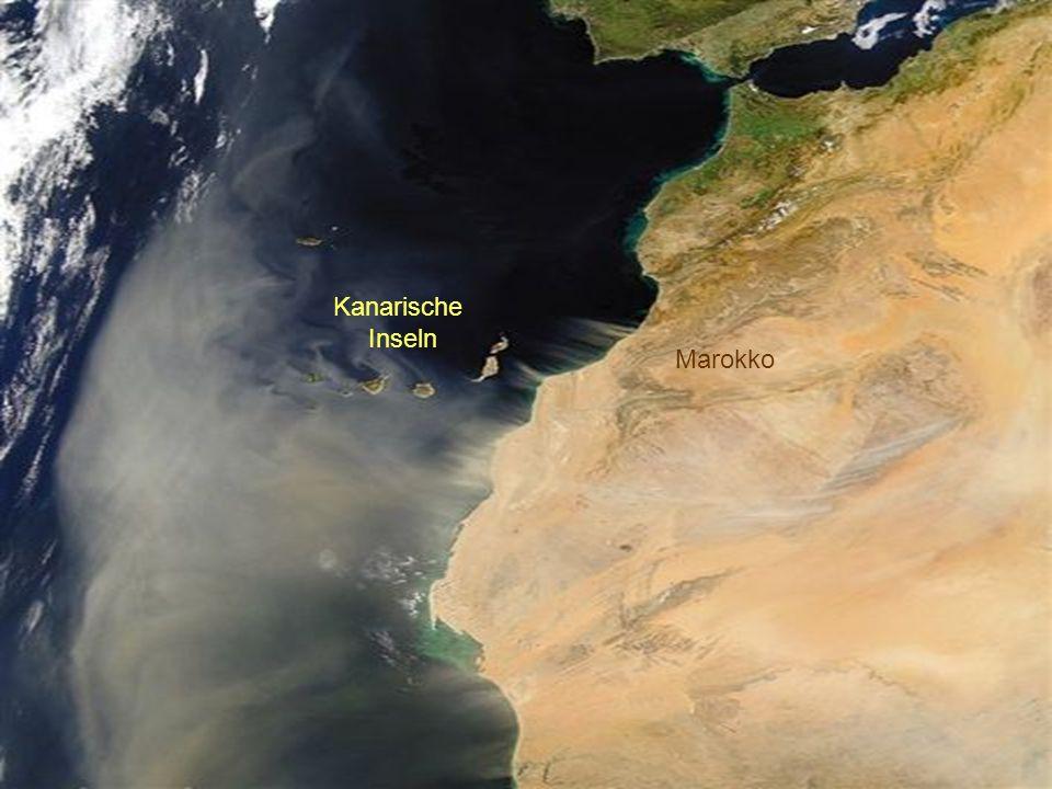 Der Süden der iberischen Halbinsel. Ein Sandsturm kommt aus Nord Afrika. Die kanarischen Inseln.