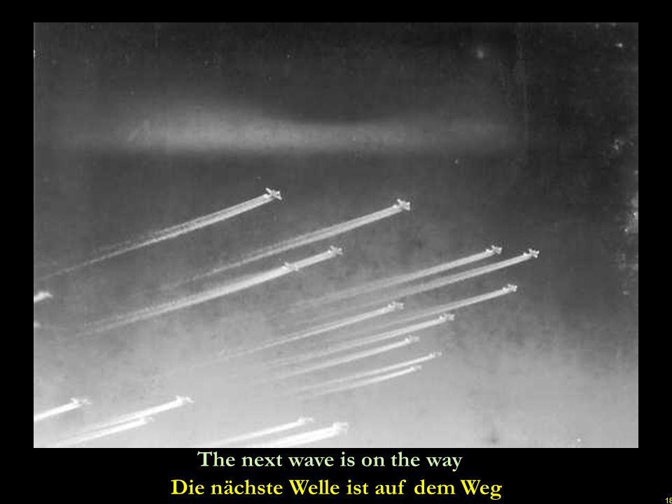 17 British Stirling bombers attack Dresden on February 14. 1945 Britische Stirling-Bomber beim Angriff auf Dresden am 14. Februar 1945 u
