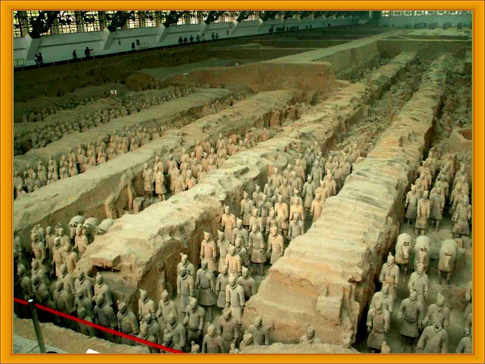 Das als Terrakotta-Armee bekannte Heer aus Steingut, befindet sich in der chinesischen Provinz Shaanxi.