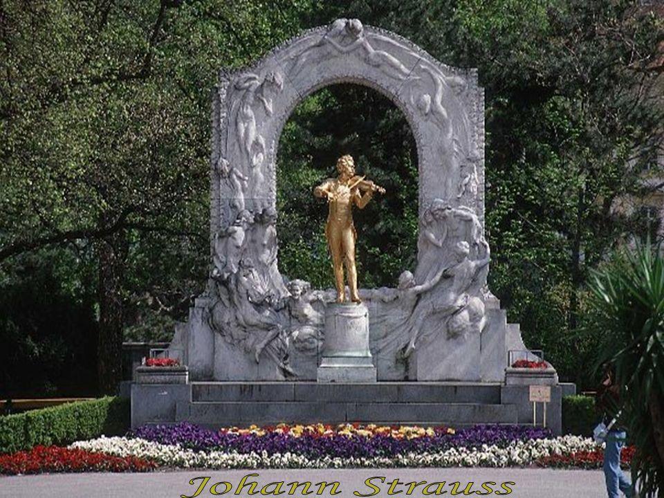 Die Geschichte Schönbrunns und seiner Vorgängerbauten reicht bis ins Mittelalter zurück.