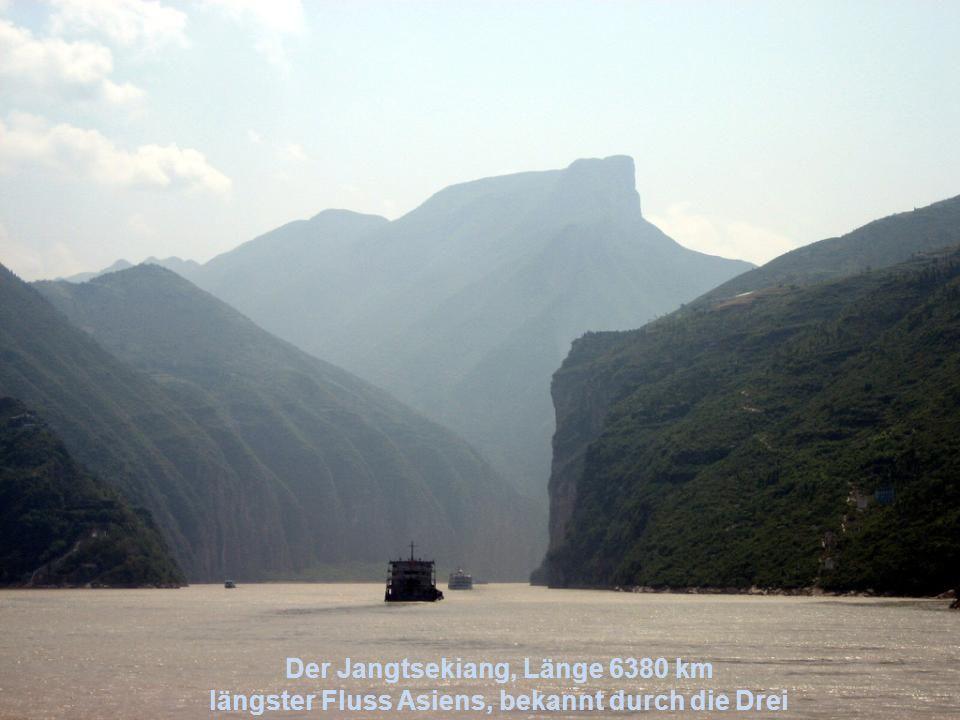 Der Huang Ho oder Gelber Fluss, Länge 4845 km fließt im Norden Chinas