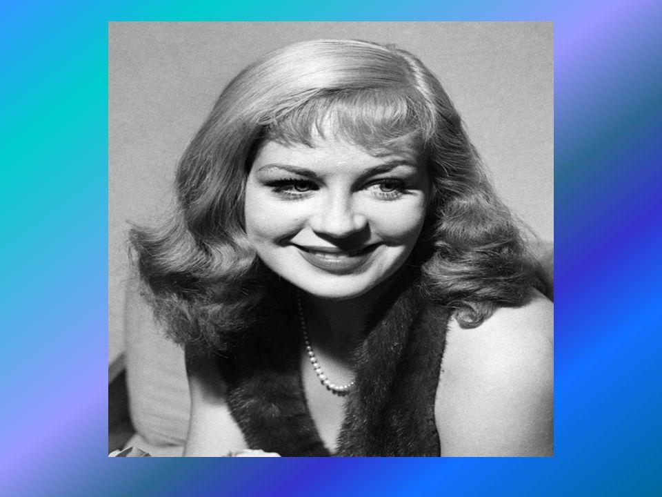 Als Schriftstellerin hat sie 7 Bücher veröffentlichtSchriftstellerin und ca. 15 Magazinartikel bzw. Vorworte verfasst. 1999 begann ihr Abschied von de