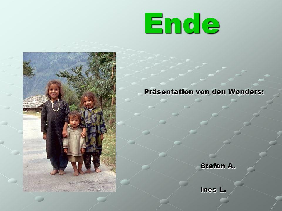 Ende Präsentation von den Wonders: Stefan A. Ines L. Magdalena S. Saskia Z.