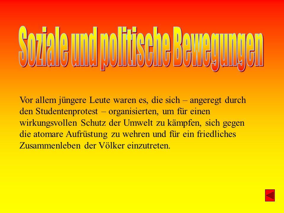 Die Stasi (Ministerium für Staatsicherheit), der Geheimdienst der DDR, war für die Spionage im Ausland, vor allem gegen die BRD, und für die Überwachung der DDR Bevölkerung zuständig.