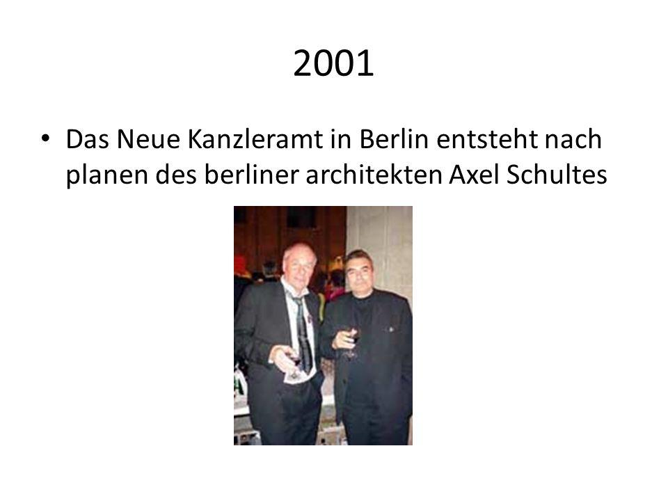 2001 Das Neue Kanzleramt in Berlin entsteht nach planen des berliner architekten Axel Schultes