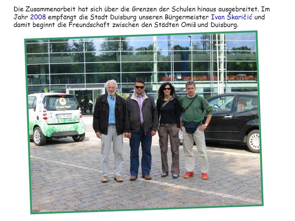 Die Zusammenarbeit hat sich über die Grenzen der Schulen hinaus ausgebreitet. Im Jahr 2008 empfängt die Stadt Duisburg unseren Bürgermeister Ivan Škar