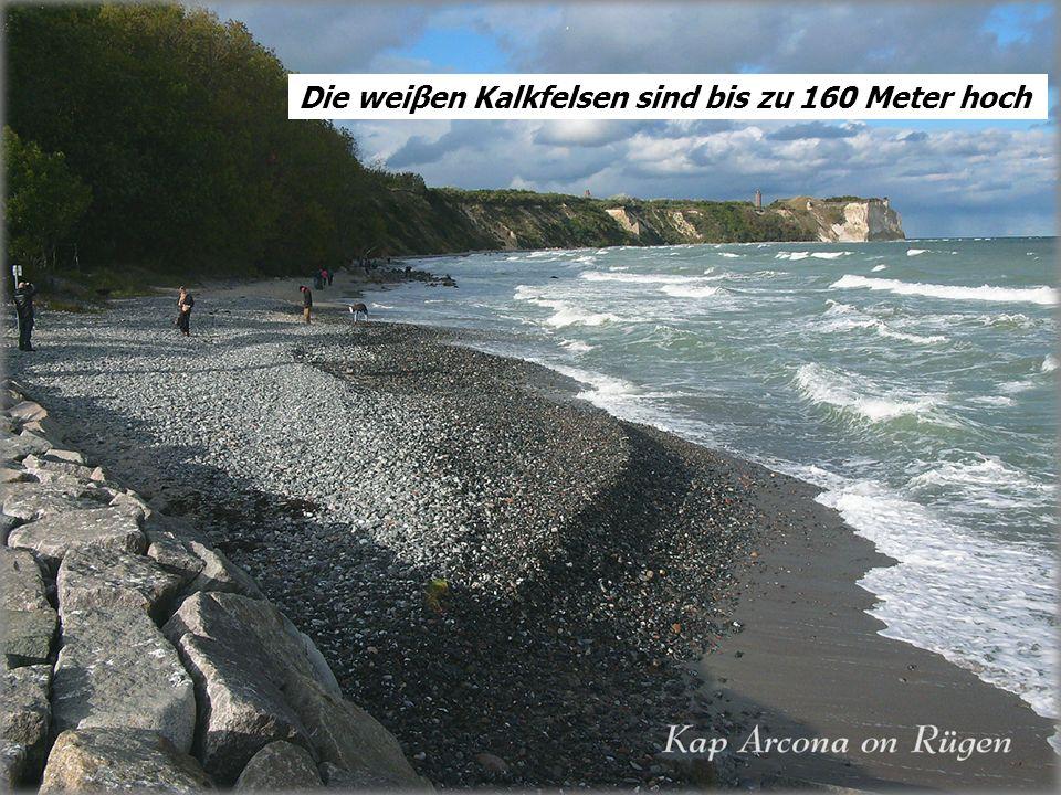 Rügen Die gröβte Insel der BRD Hier gibt es noch diese wilde Natur und die kleinen verträumten Fischerdörfer Die weiβen Kalkfelsen sind bis zu 160 Met