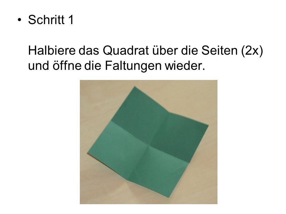 Schritt 2 Drehe das Blatt um und halbiere das Quadrat über die Diagonalen (2x) und öffne die Faltungen wieder.