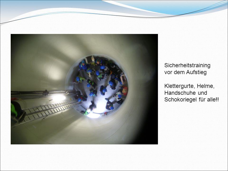 Sicherheitstraining vor dem Aufstieg Klettergurte, Helme, Handschuhe und Schokoriegel für alle!!