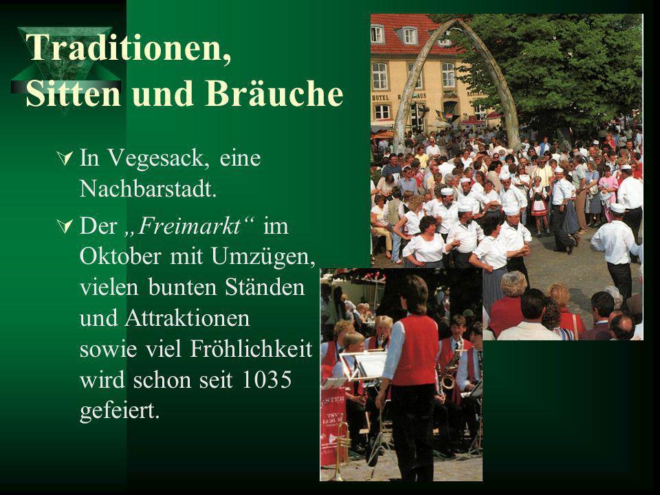 Traditionen, Sitten und Bräuche In Vegesack, eine Nachbarstadt. Der Freimarkt im Oktober mit Umzügen, vielen bunten Ständen und Attraktionen sowie vie
