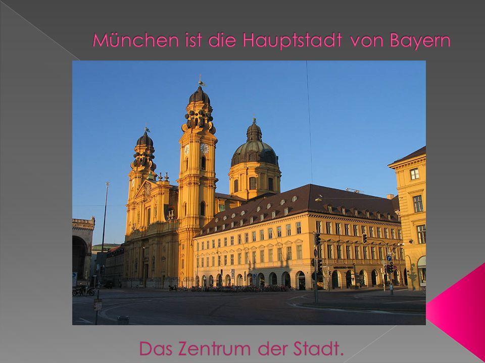 Bayern ist das größte Bundesland Die Bevölkerung im Freistaat stammt aus drei Stämmen: den Altbayern, den Franken und den Schwaben.