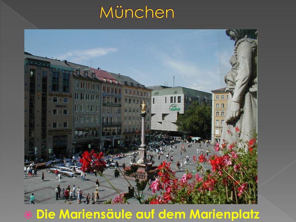 Die Mariensäule auf dem Marienplatz