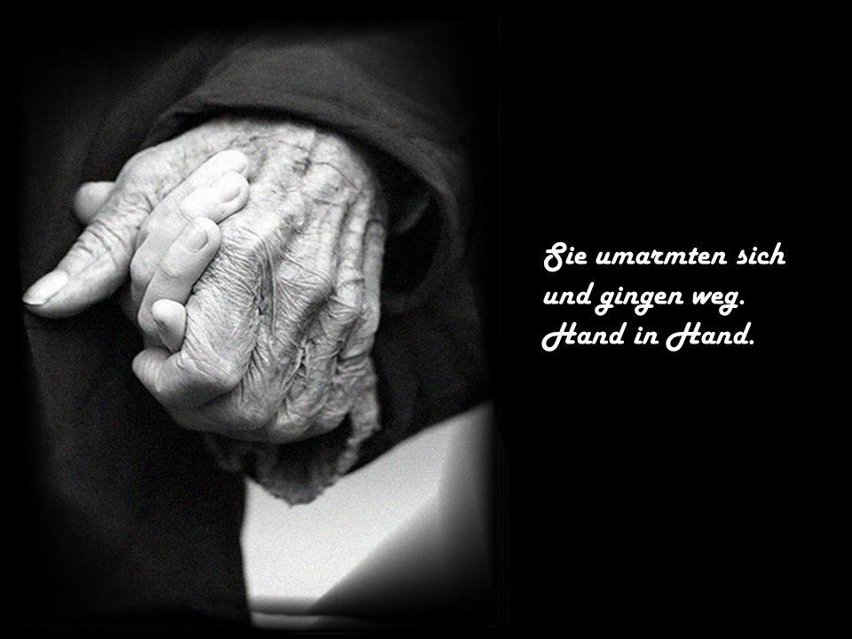 Der junge Mann sah sich sein Herz an, es war nicht mehr perfekt, aber schöner als je zuvor, denn er spürte die Liebe des alten Mannes, in sein Herz fliessen.