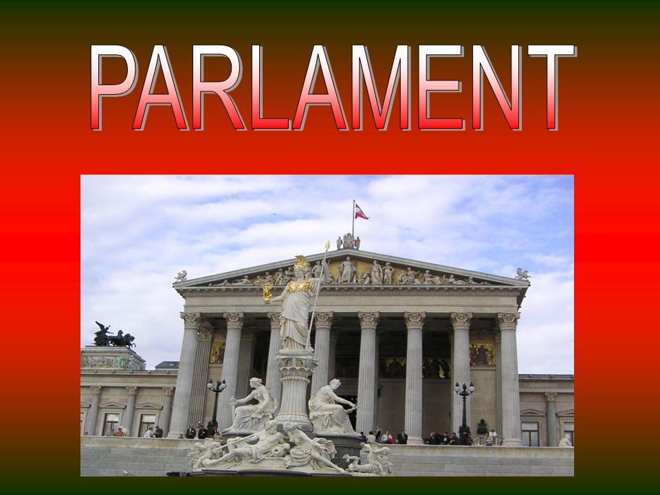 Das Parlament Gebäude wurde zwischen 1874 errichtet - 1884 nach Plänen des Architekten Theophil Hansen und während ihres Bestehens als Sitz der verschiedenen parlamentarischen Institutionen tätig.