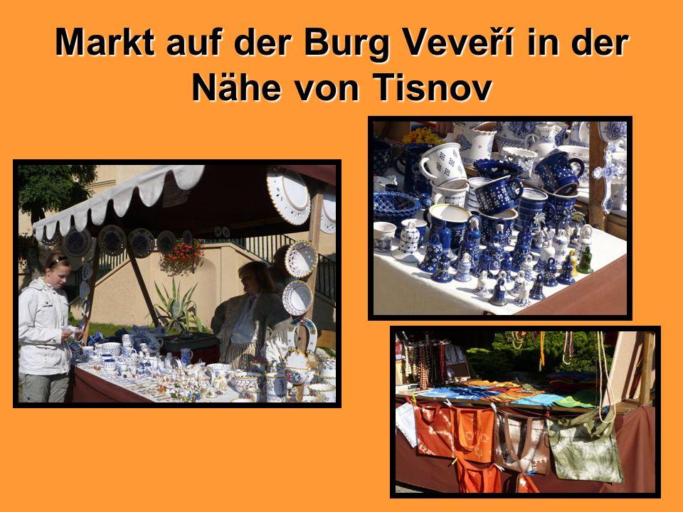Markt auf der Burg Veveří in der Nähe von Tisnov