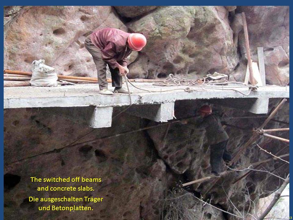 13 Die ausgeschalten Träger und Betonplatten. The switched off beams and concrete slabs.