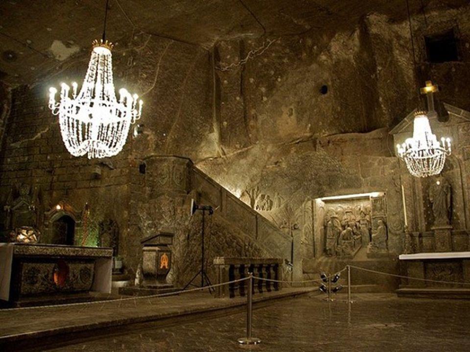 Von außen macht das Salzbergwerk Wieliczka einen schlichten, unscheinbaren Eindruck. Es sieht weitgehendst gut erhalten aus, für ein Werk bei dem die