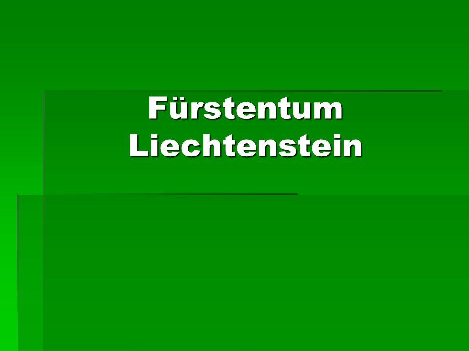 Bevölkerung Ein Drittel von den Einwohnern Liechtensteins bilden Ausländer (vor allem Deutsche, Österreicher und Schweizer) Ein Drittel von den Einwohnern Liechtensteins bilden Ausländer (vor allem Deutsche, Österreicher und Schweizer)