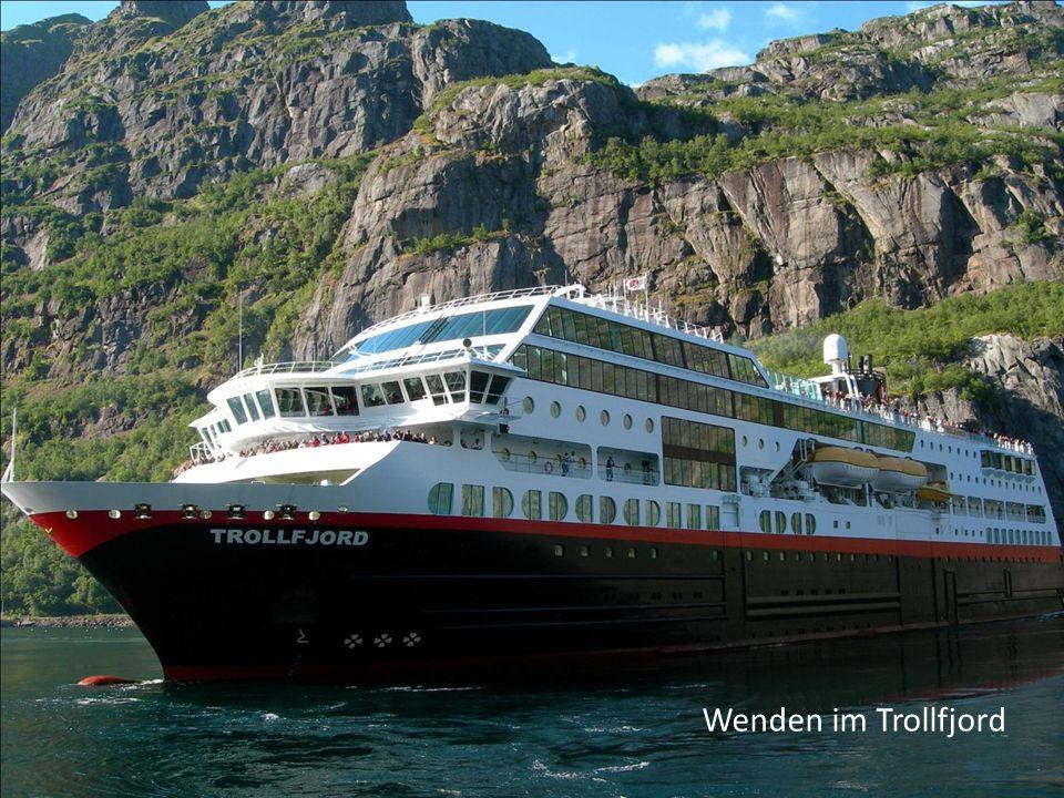 Wenden im Trollfjord