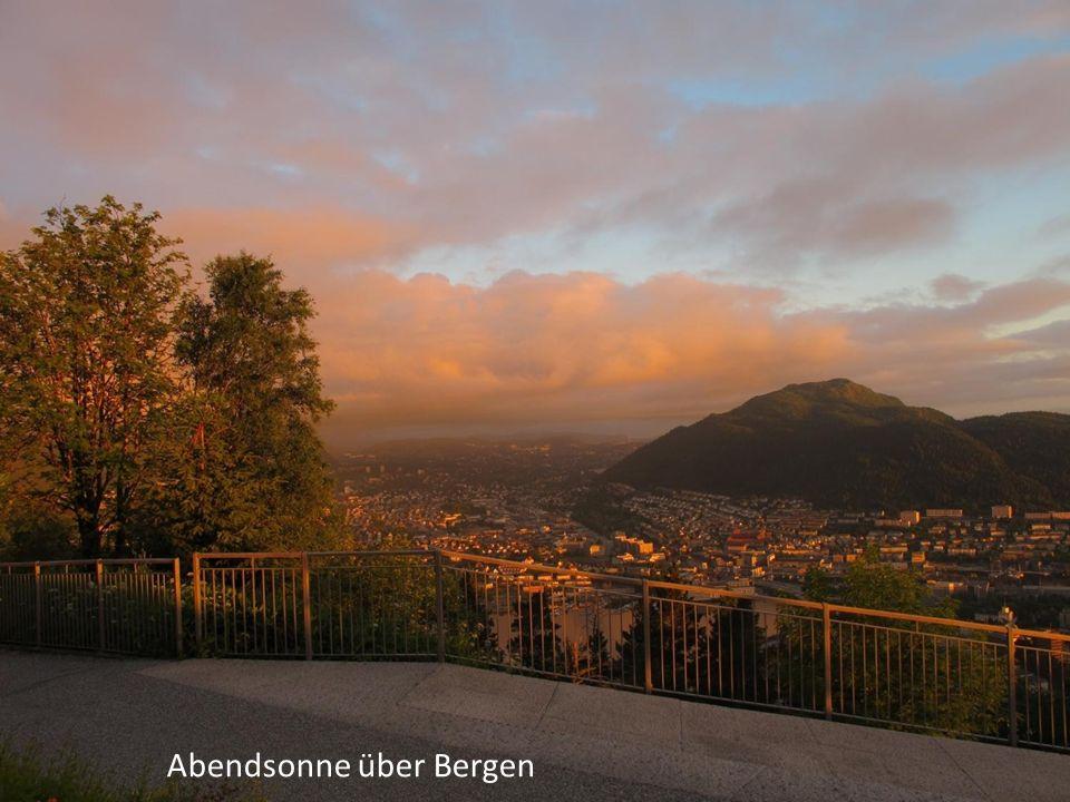Abendsonne über Bergen