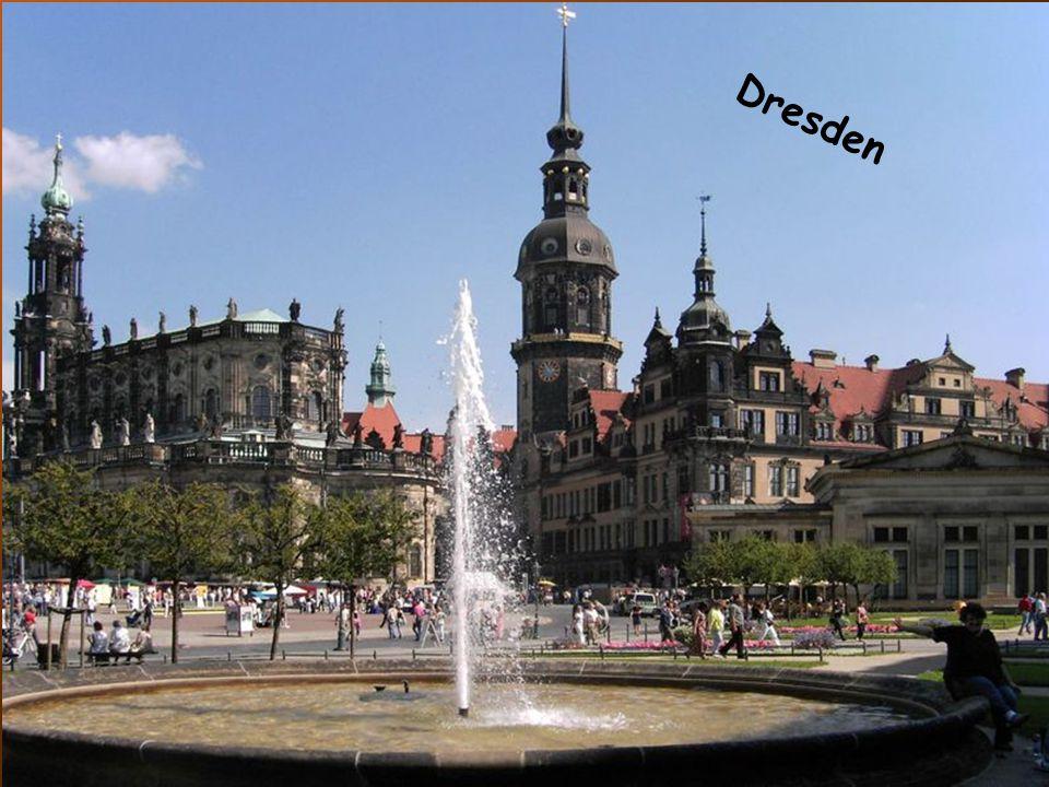 Dresden D r e s d e n
