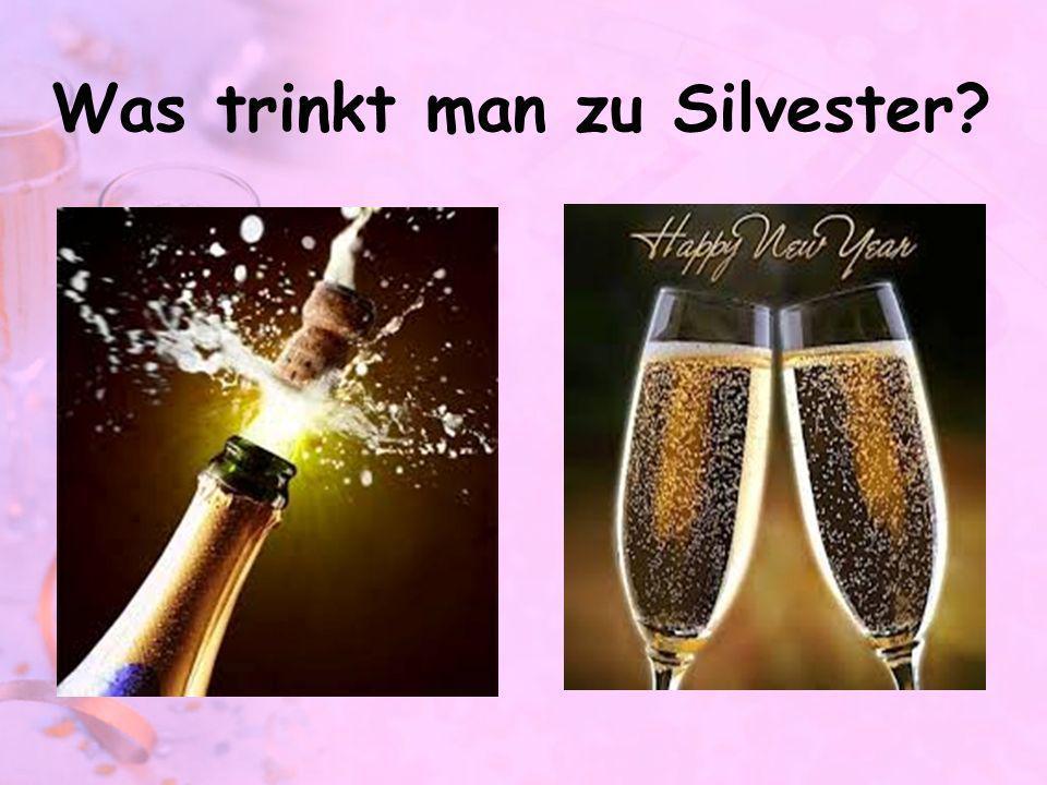 der Champagner / der Sekt Champagner is strictly used only for genuine French champagne.