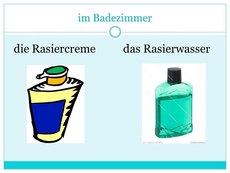 im Badezimmer die Rasiercremedas Rasierwasser