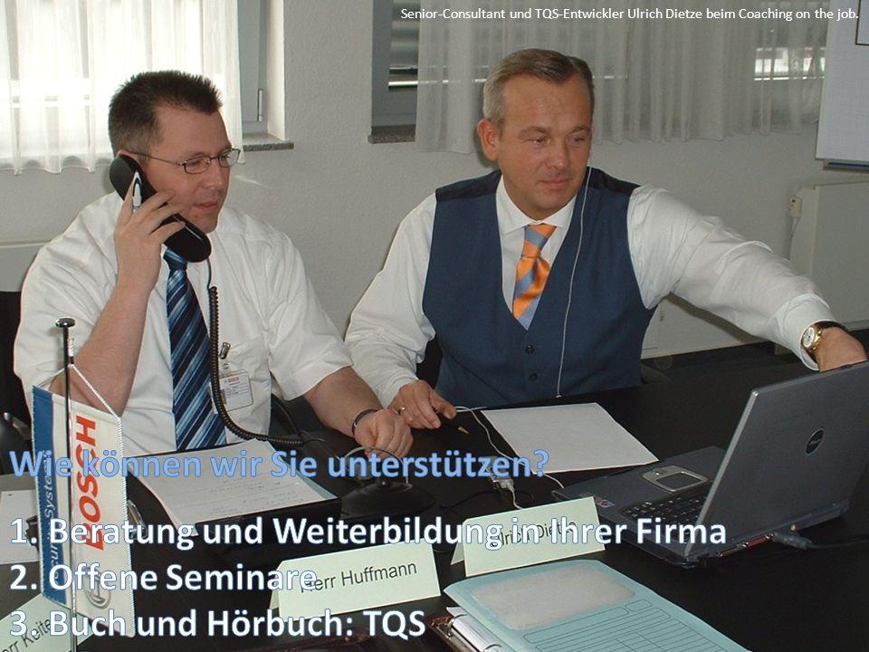 Senior-Consultant und TQS-Entwickler Ulrich Dietze beim Coaching on the job.