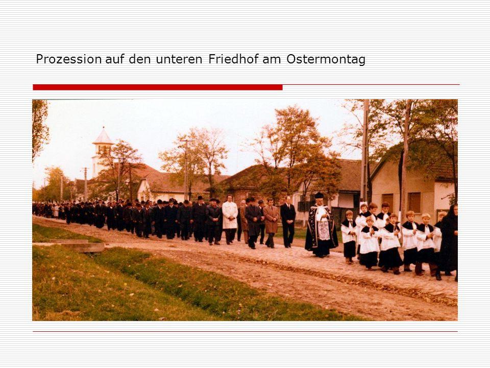 Prozession auf den unteren Friedhof am Ostermontag